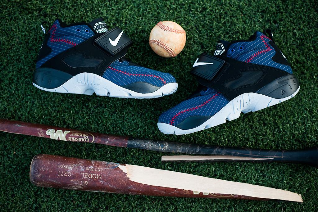 "Image of Nike Air Diamond Turf ""Baseball"""