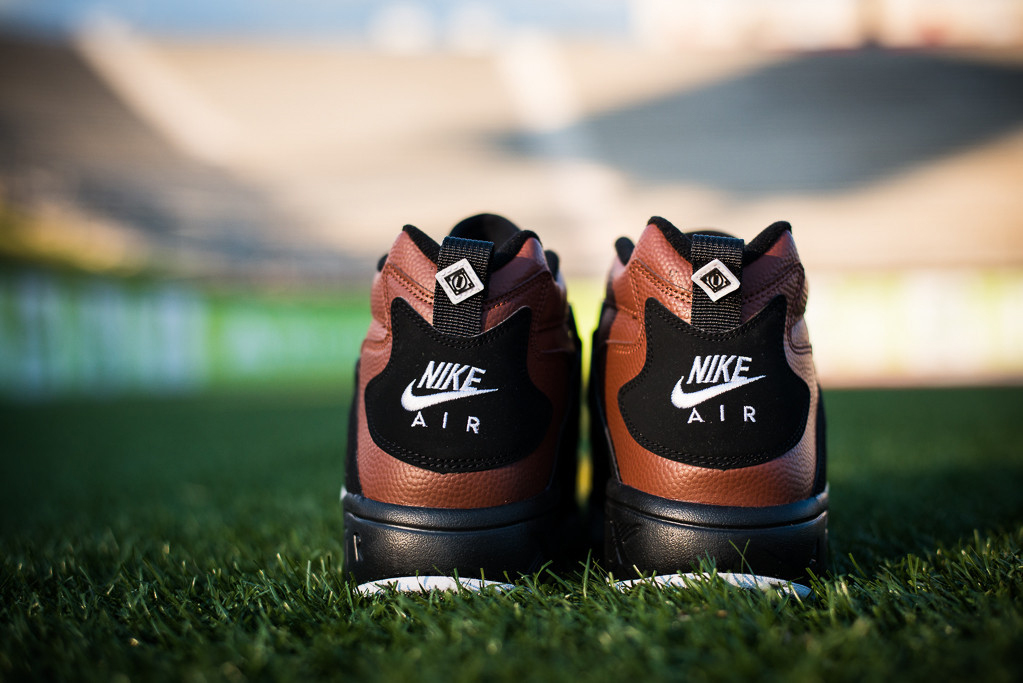"Image of Nike Air Diamond Turf ""Football"""