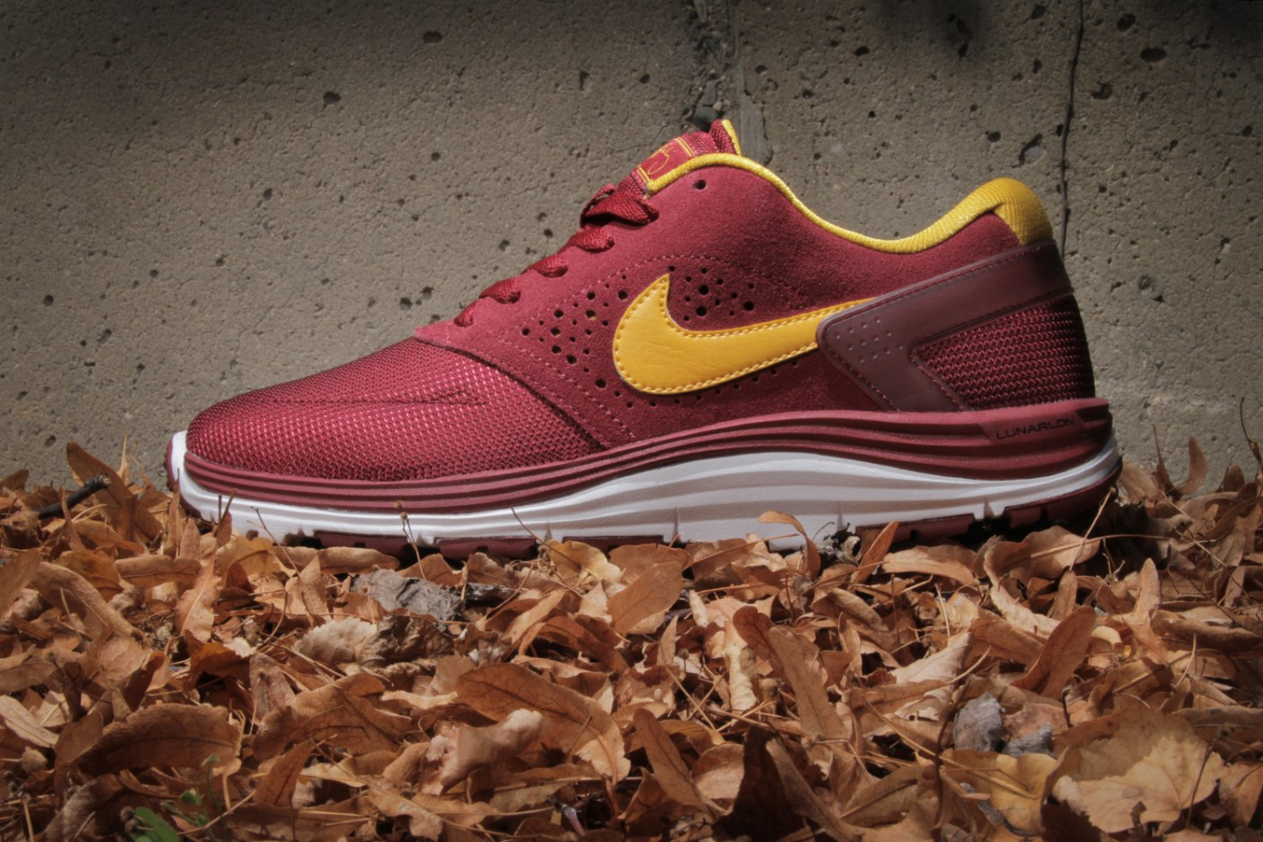 Image of Nike SB Lunar Rod Team Red/White-University Gold