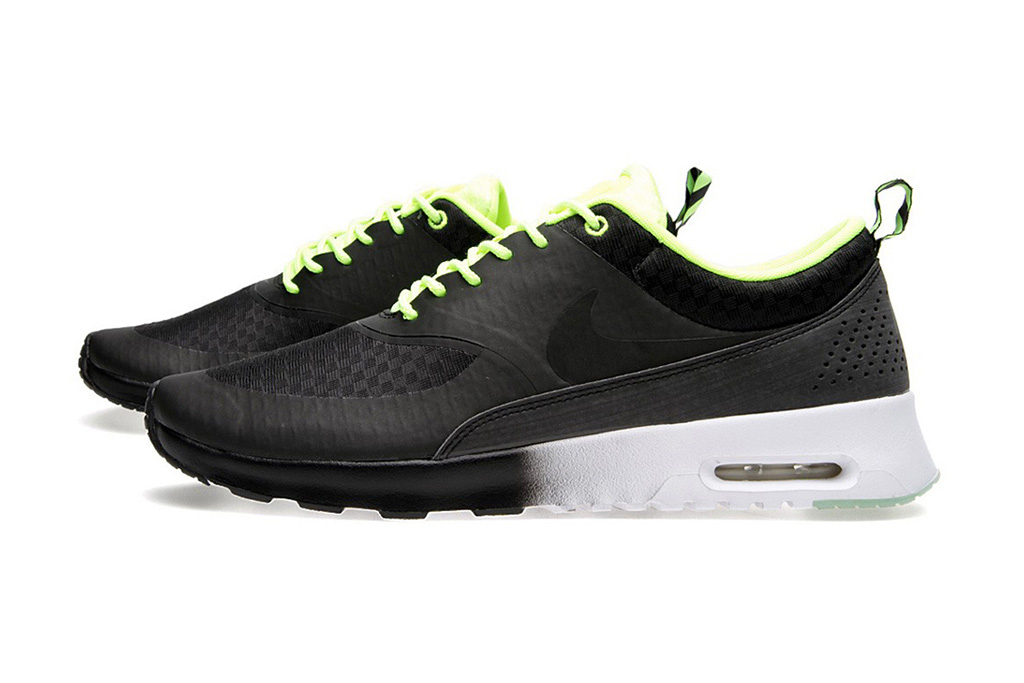 "Image of Nike Women's Air Max Thea Woven ""Glow in the Dark"" Pack"