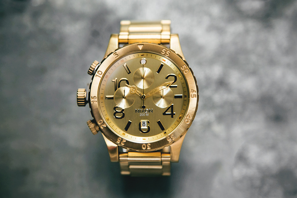 Image of Nixon 48-20 Chrono Gold