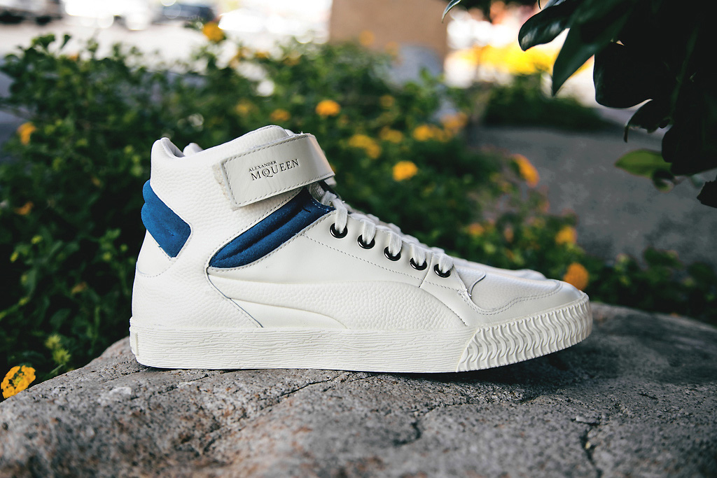 Image of PUMA by Alexander McQueen Street Climb Mid III Off White/Blue