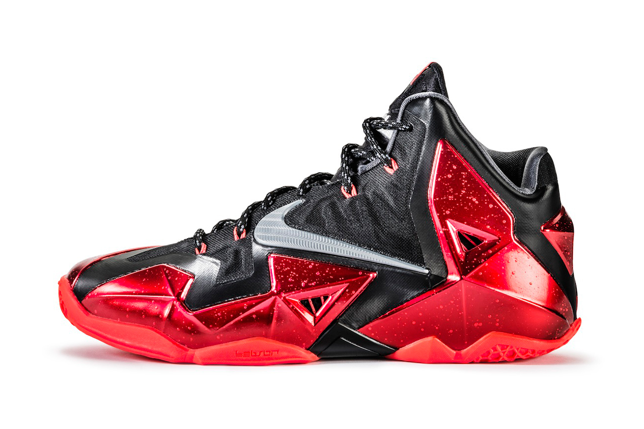 "Image of A Closer Look at the Nike LeBron 11 ""Away"""