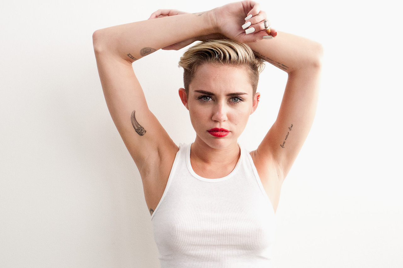 Image of Miley Cyrus Pays Another Visit to Terry Richardson's Studio