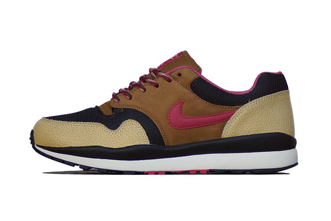 Image of Nike Air Safari Black/Hyper Fuchsia-Flat Gold Strata-Ale Brown