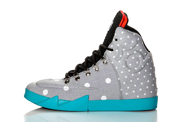 "Image of Nike KD VI NSW Lifestyle ""Birthday"""