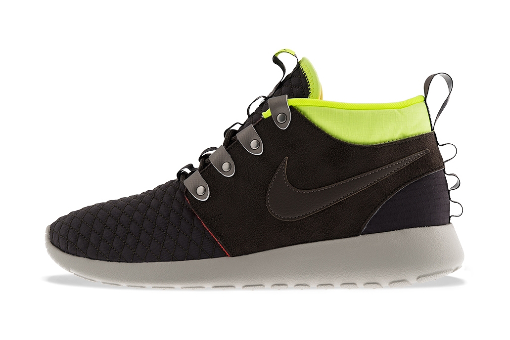 Image of Nike Roshe Run Mid Winter Newsprint/Smoke-Volt-Total Crimson