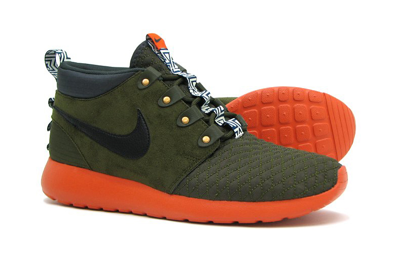 "Image of Nike Roshe Run Sneakerboot ""Dark Loden"""