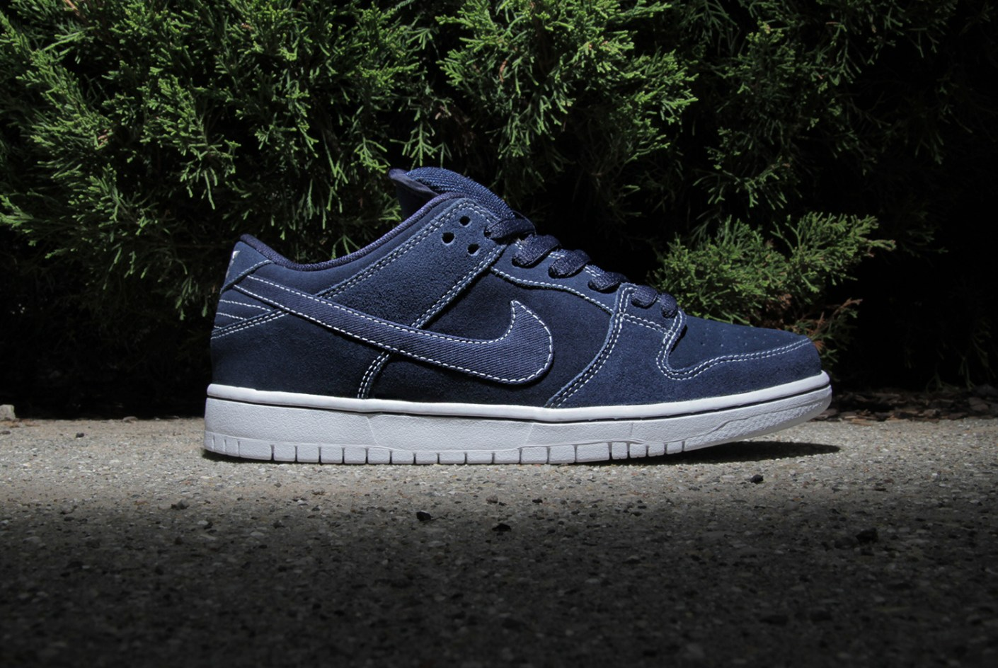 "Image of Nike SB Dunk Low Pro ""Midnight Navy"""