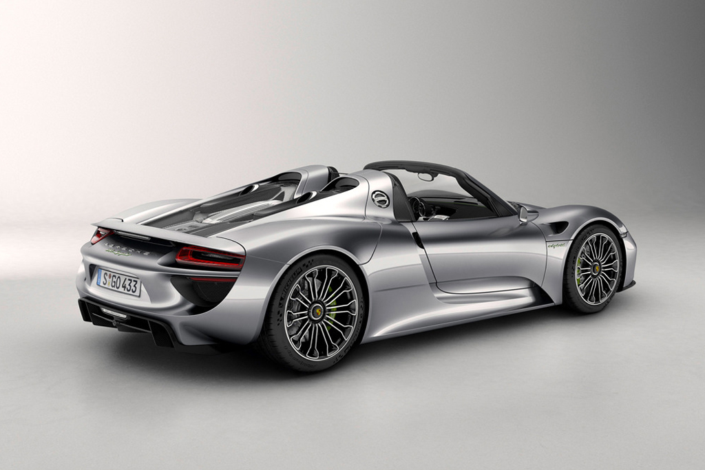 Image of Porsche Officially Debuts the 918 Spyder