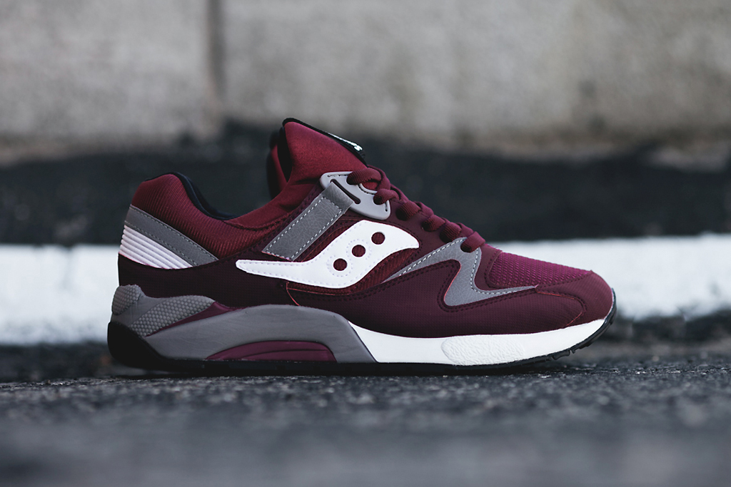 Image of Saucony Grid 9000 Burgundy