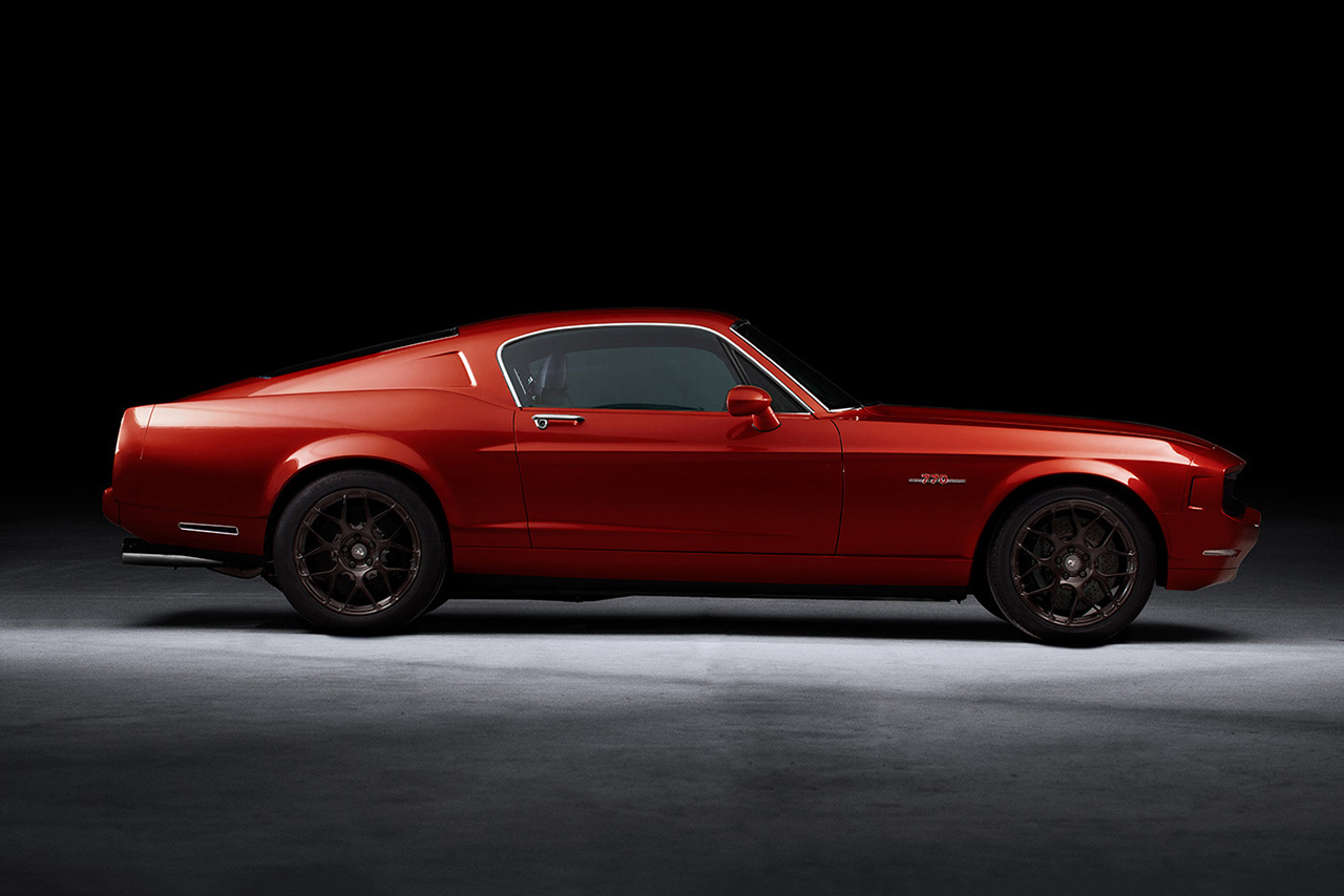 Image of The Equus Bass 770 in Motion