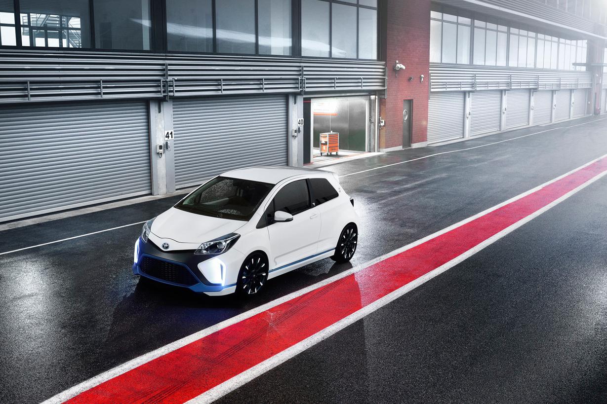Image of Toyota Yaris Hybrid-R