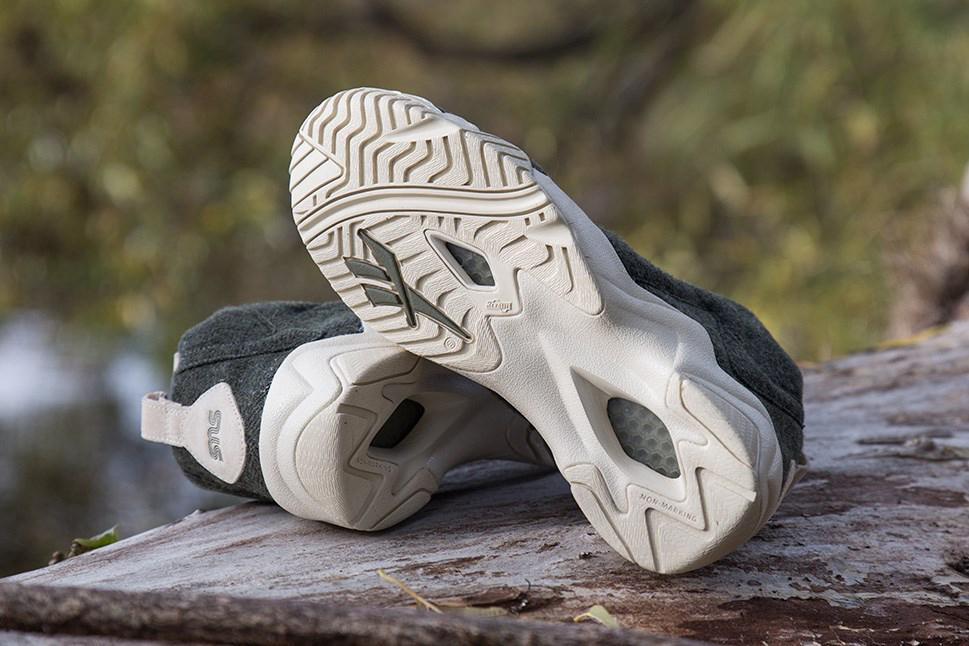 "Image of Sneakersnstuff x Reebok Kamikaze II Mid TXT ""Herringbone"""