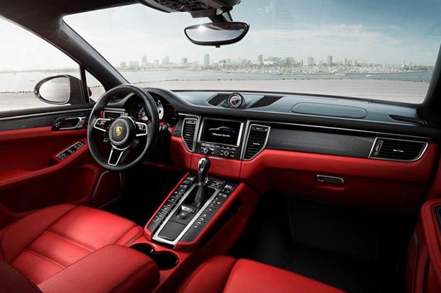 Image of 2015 Porsche Macan SUV