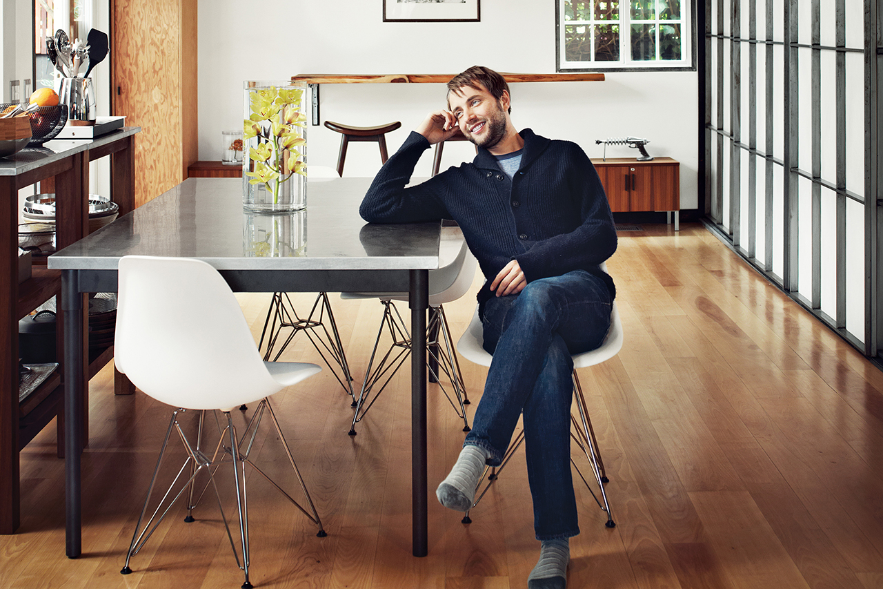 Image of A Look Inside Vincent Kartheiser's Hollywood Cabin