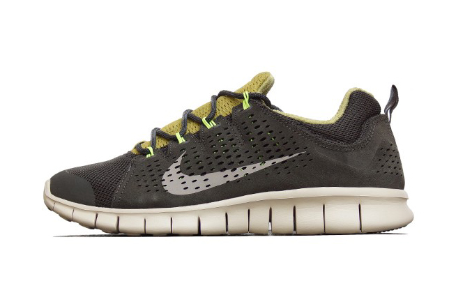Image of Nike Free Powerlines+ II LTR Newsprint/Dusty Grey-Parachute Gold-Volt