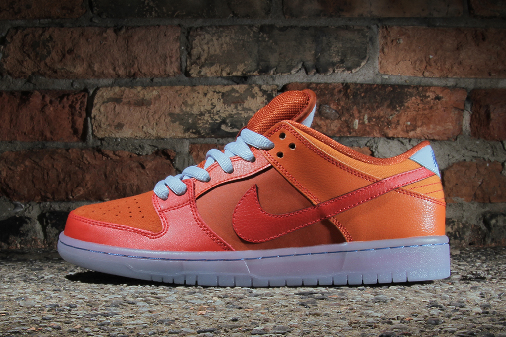 "Image of Nike SB Dunk Low Pro ""Fire & Ice"""