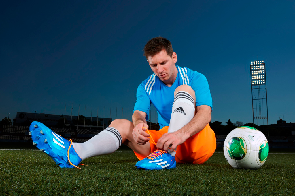 Image of Özil, Messi and Cavani Launch Samba Collection with adidas Soccer