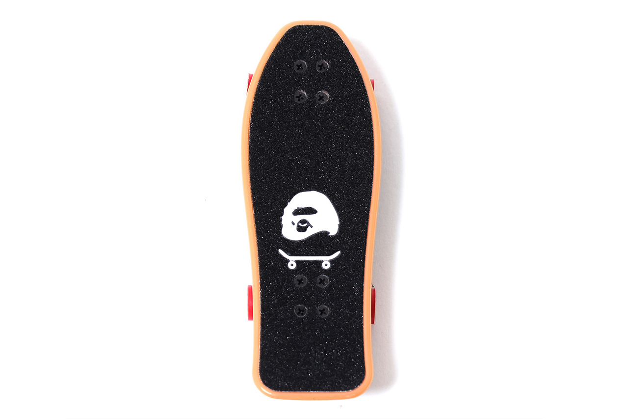 Image of A SKATING APE Special Novelty Fingerboard