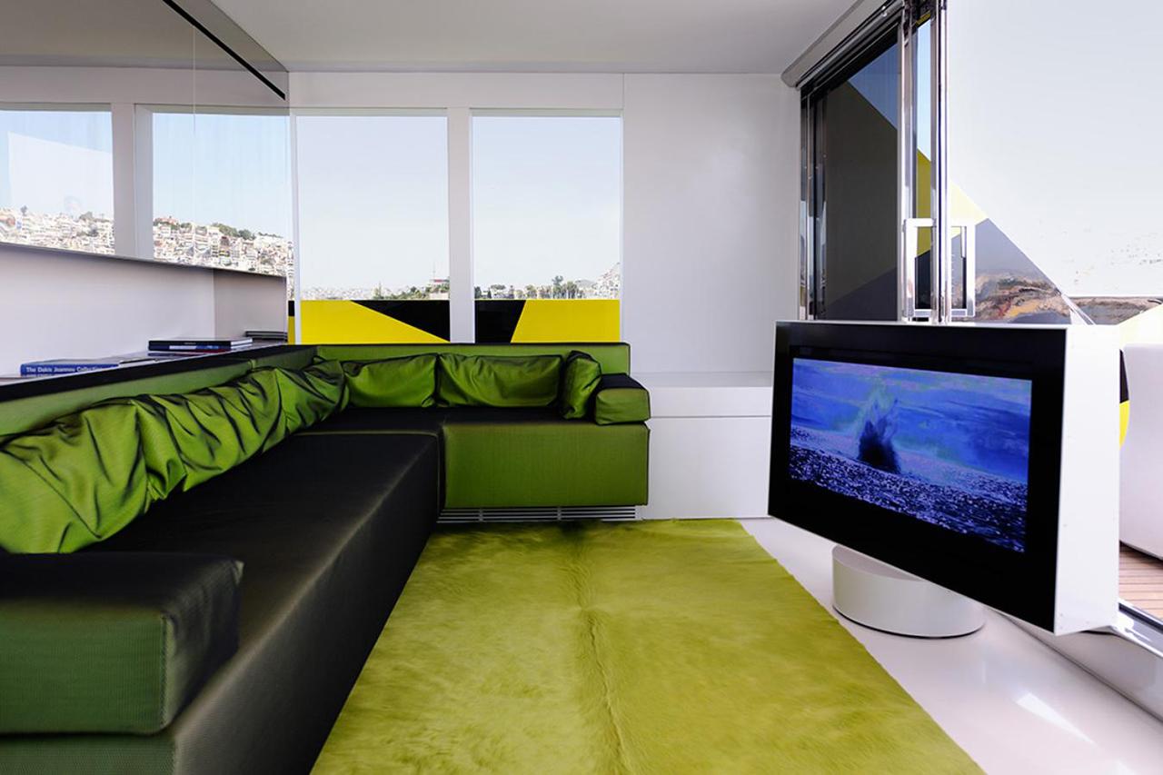 Image of Dakis Joannou's 'Guilty' Yacht by Jeff Koons and Ivana Porfiri