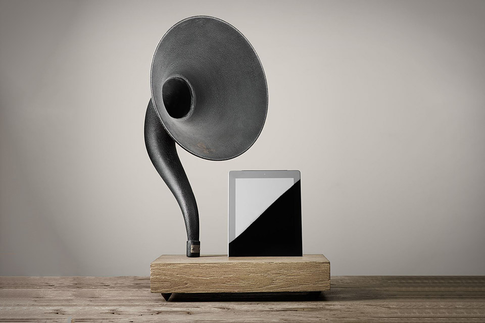 Image of Gramophone iPhone and iPad Speaker
