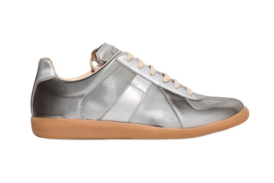 Maison martin margiela 22 silver replica sneakers 2feetunder for Maison margiela 22