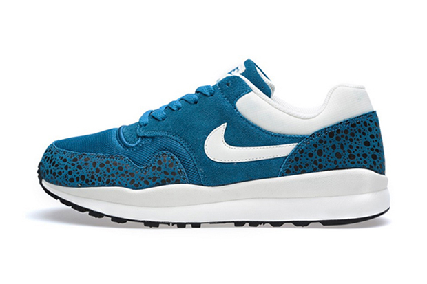 "Image of Nike Air Safari ""Green Abyss"""