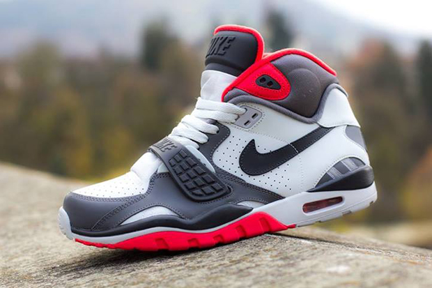 Image of Nike Air Trainer SC II Pure Platinum/Dark Grey/Crimson