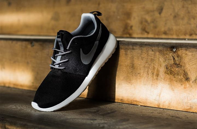 Image of Nike Roshe Run Black/Grey