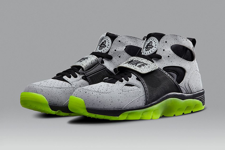 """Image of Nike Air Trainer Huarache """"Cement City"""""""