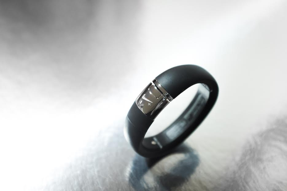 """Image of Nike+ FuelBand METALUXE SE """"Silver Edition"""""""