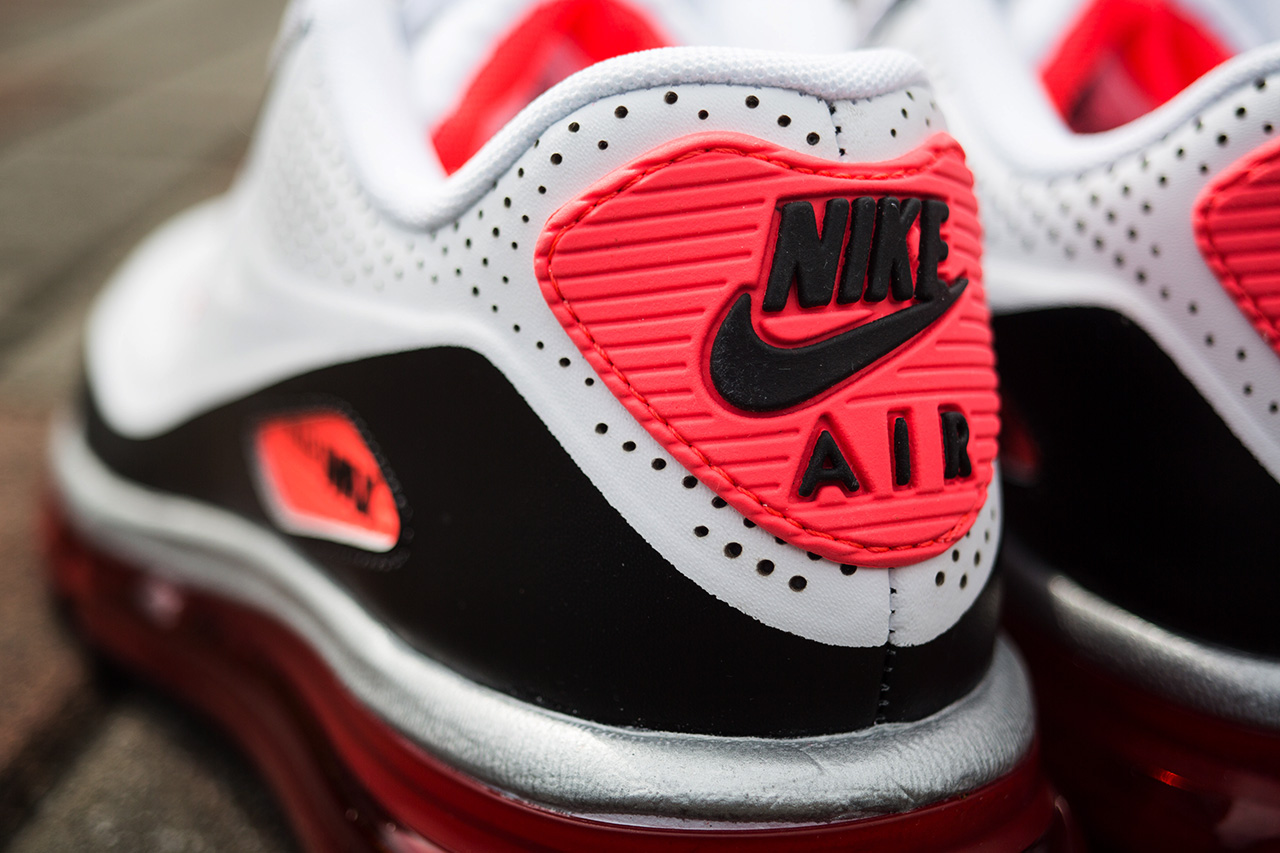 """Image of A Closer Look at the Nike Air Max 90-2014 """"Infrared"""""""