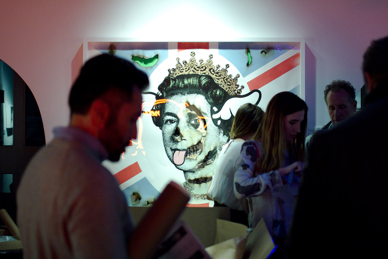 "Image of D*Face ""One Man & His Dog"" Exhibition @ Stephen Webster Recap"