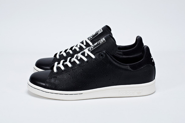 Image of mastermind JAPAN x adidas Originals Stan Smith
