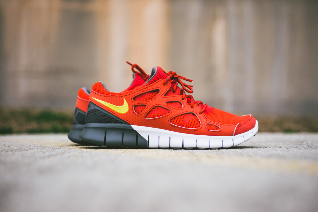 Image of Nike Free Run+ 2 Light Crimson/Grey