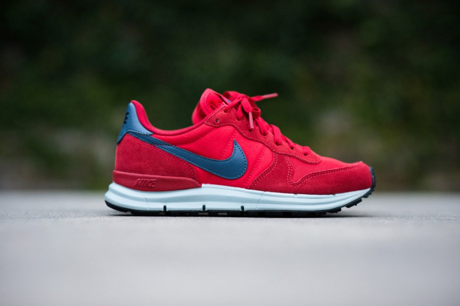 Image of Nike Lunar Internationalist University Red/New Slate-Sea Spray