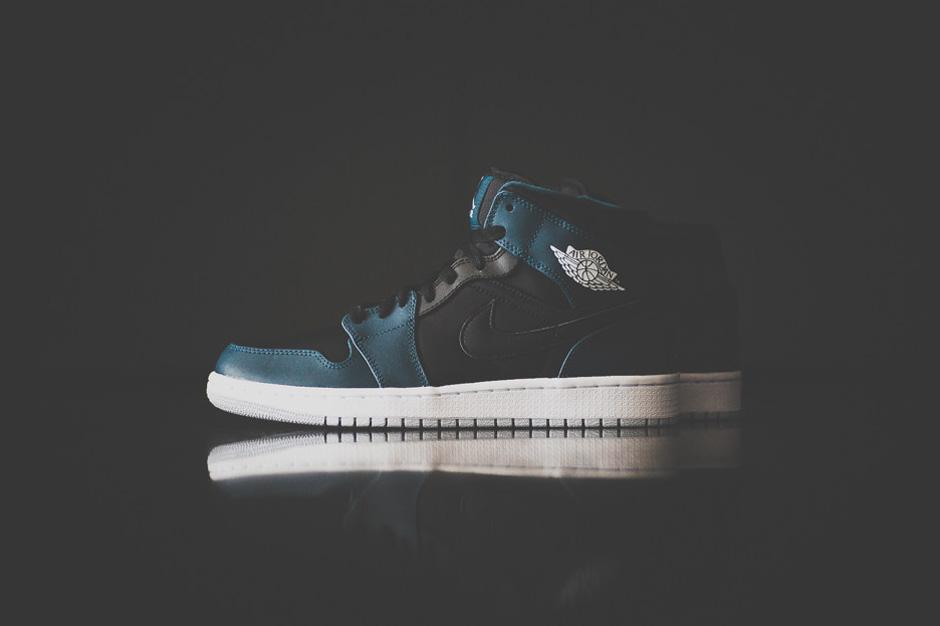 Image of Air Jordan 1 Mid Black/Nightshade