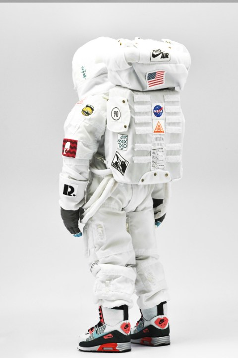 Image of Coolrain Pays Tribute to Air Max Day with Space Lunar Boot-Wearing Astronaut Figure