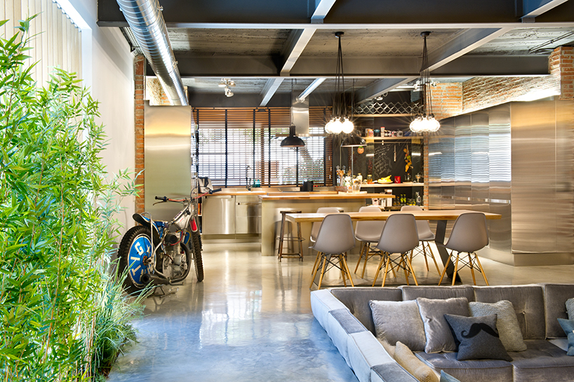 Image of Egue and Seta Transform a Commercial Space Into a Modern Loft