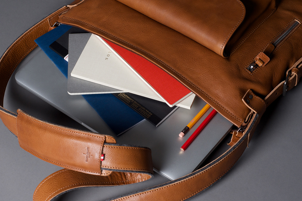 Image of hard graft 2Pack Leather Messenger