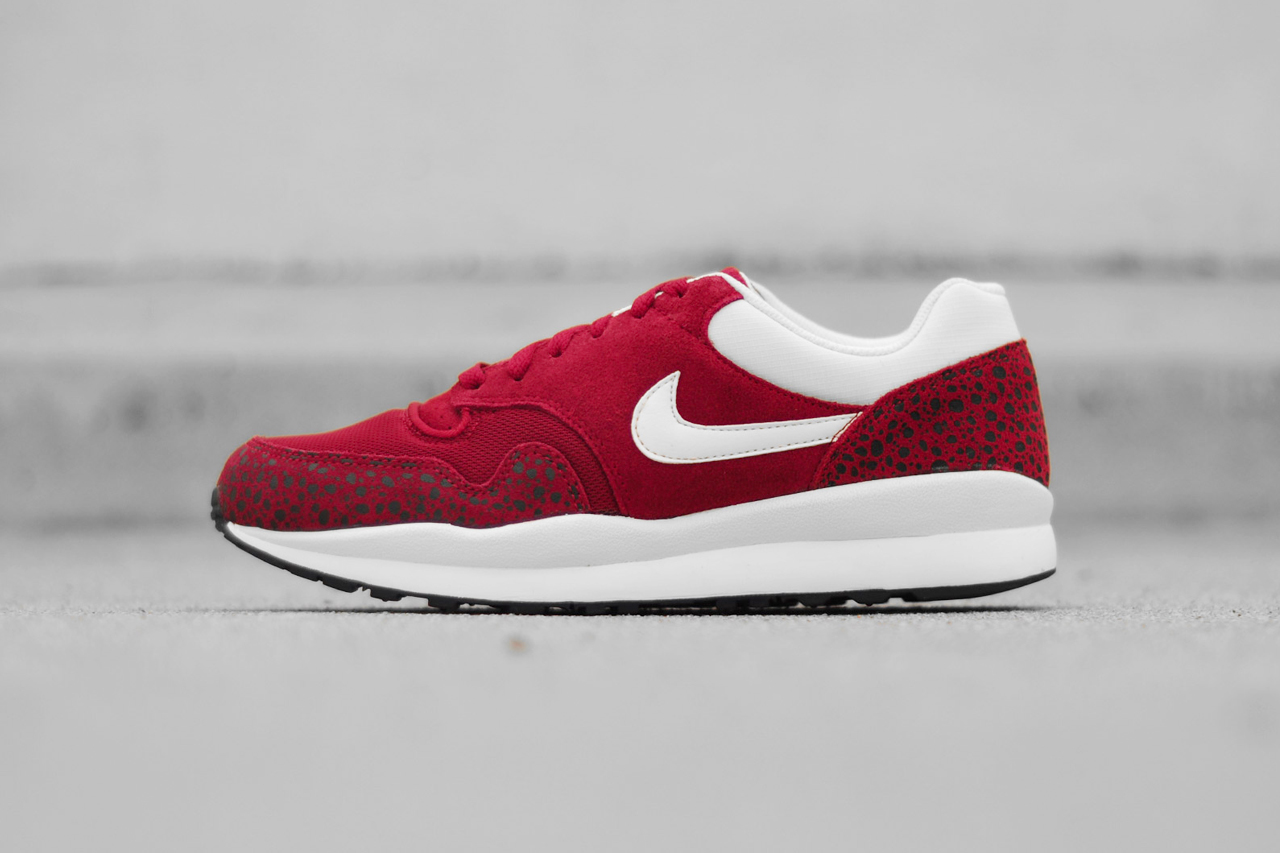 Image of Nike 2014 Spring Air Safari Black/Sail & Team Red/Sail