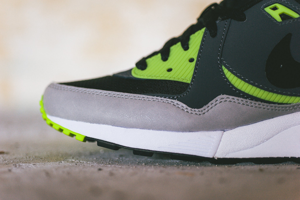 Image of Nike Air Max Light Essential Black/Dark Grey-Volt