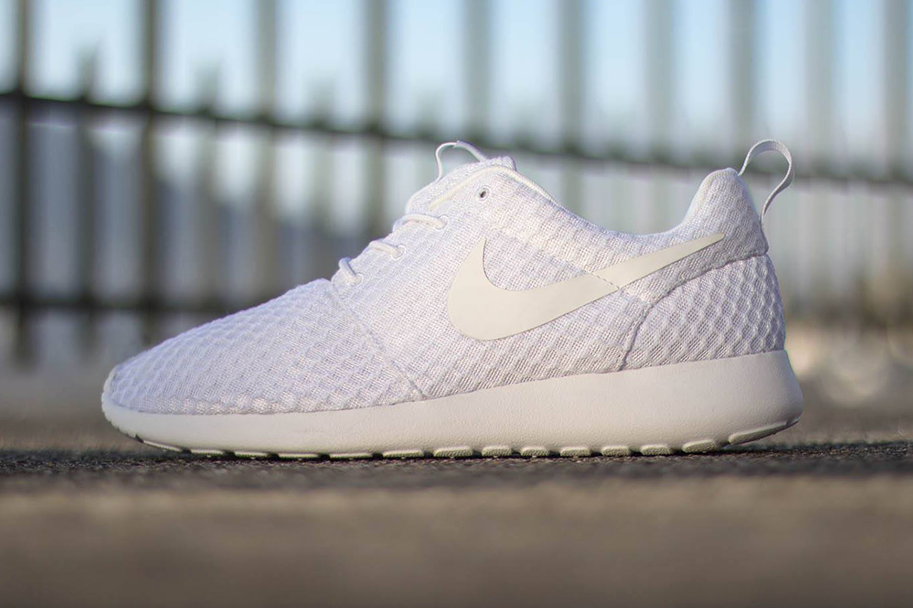 """Image of Nike Roshe Run """"Pure Platinum"""""""