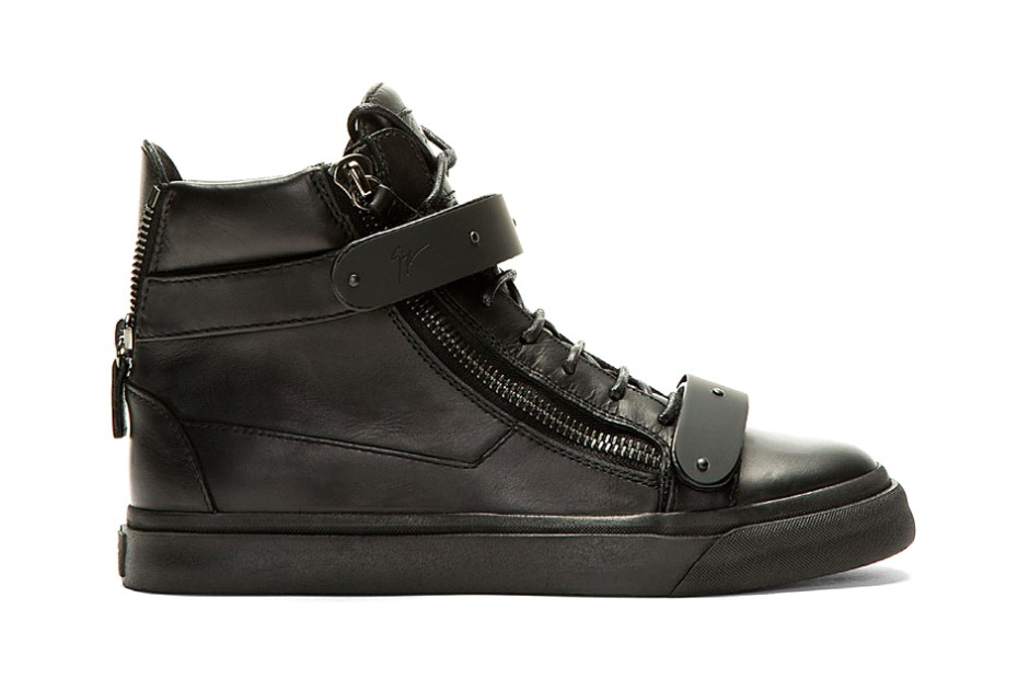 giuseppe-z​anotti-bla​ck-out-mat​te-leather​-london-sn​eaker-1