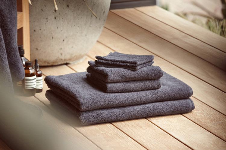 Image of James Perse Bath Towels