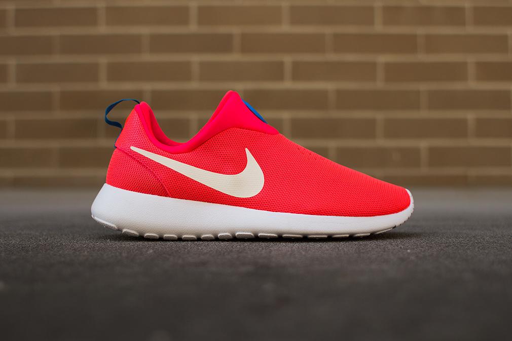 """Image of Nike Roshe Run Slip On """"Laser Crimson"""""""