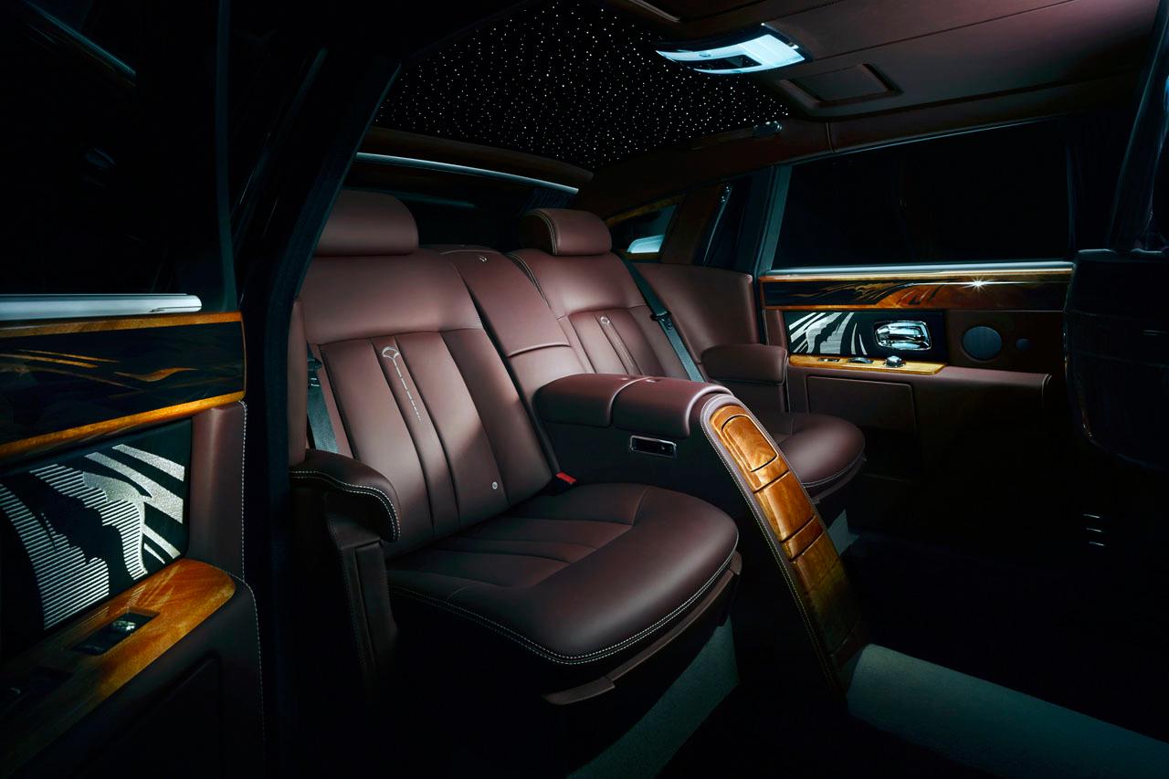 Image of Rolls-Royce Pinnacle Travel Phantom