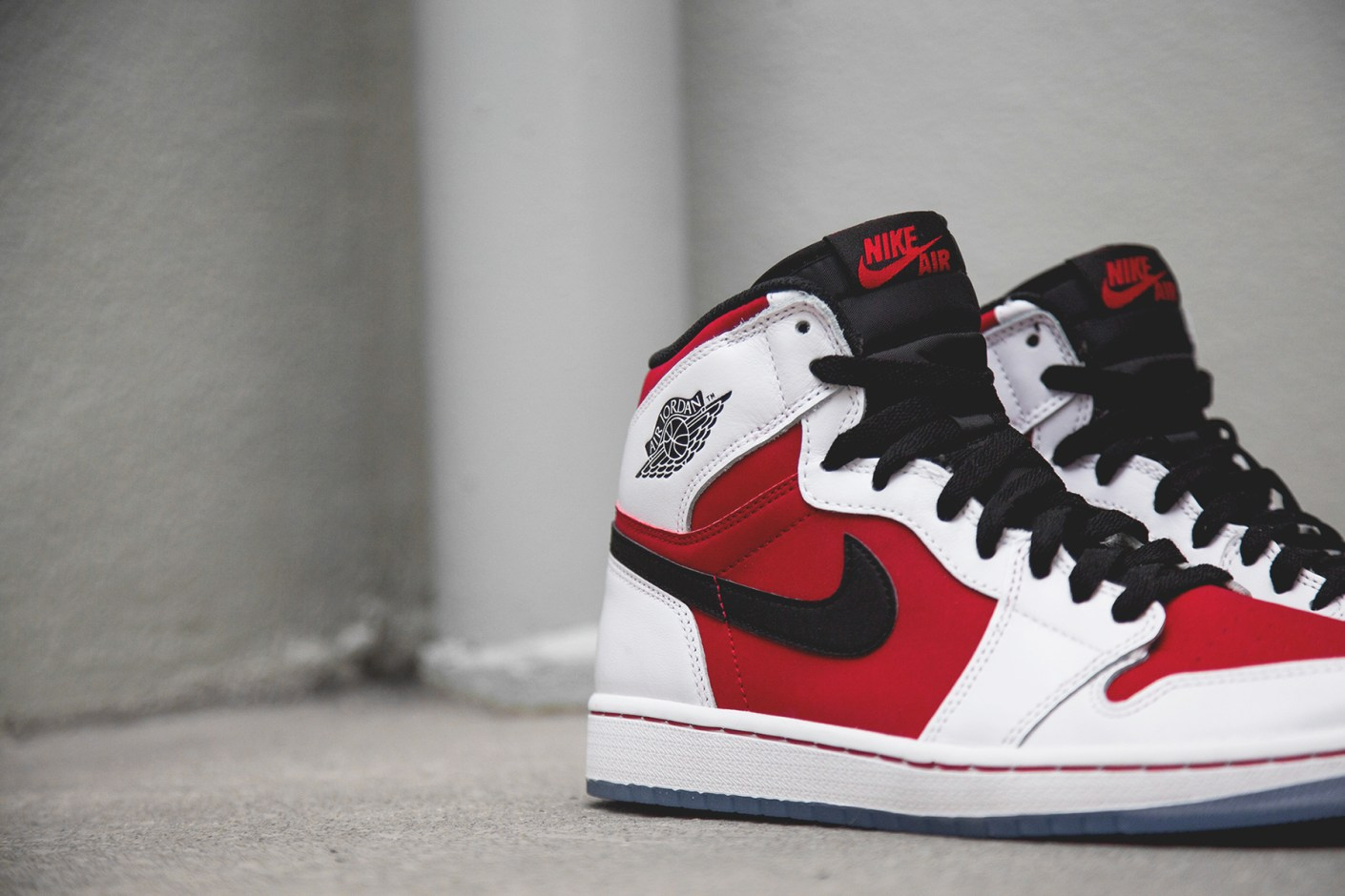 "Image of A Closer Look at the Air Jordan 1 Retro Hi OG ""Carmine"""