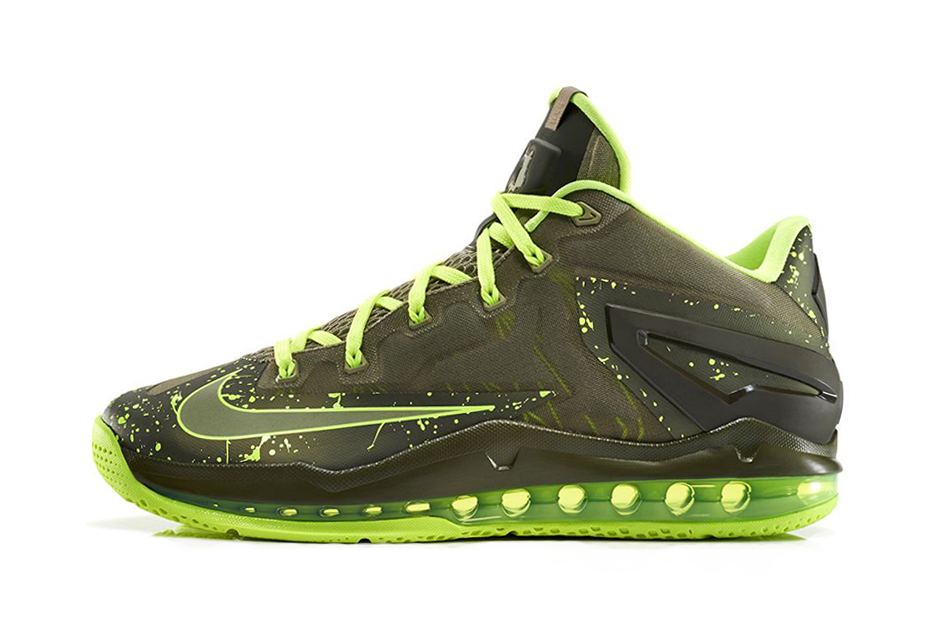 "Image of Nike LeBron 11 Max Low ""Dunkman"""